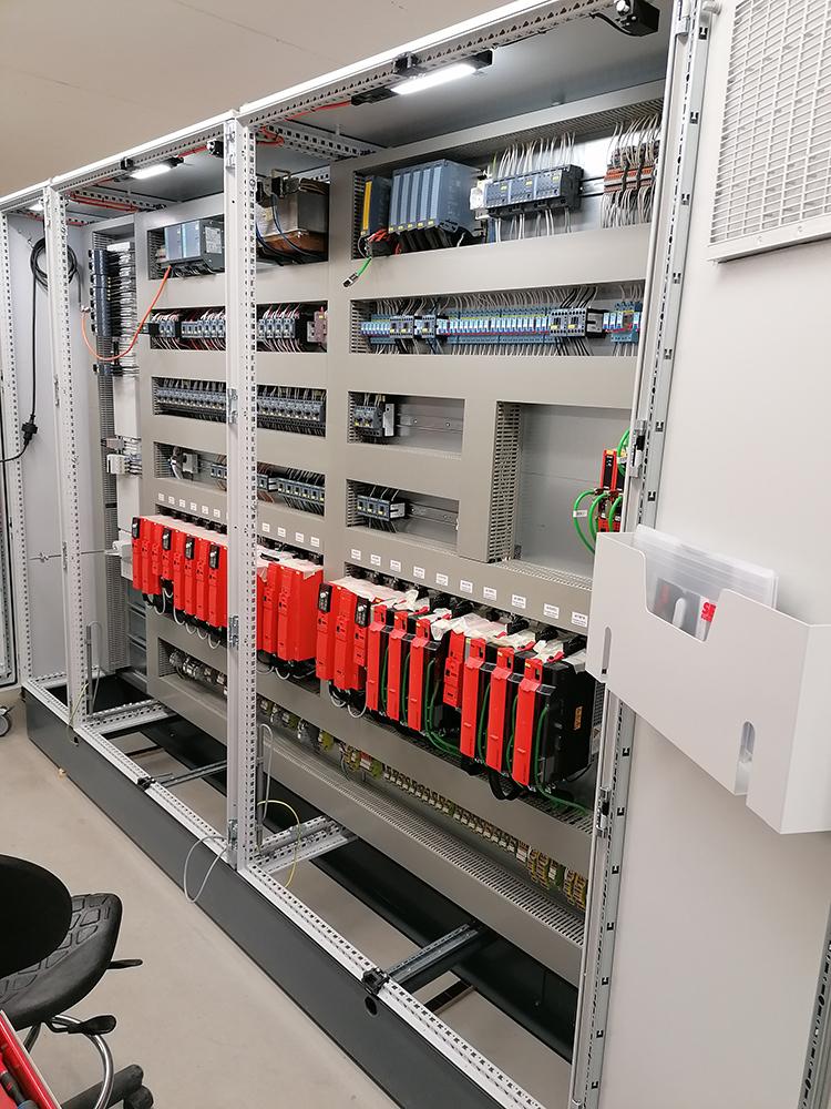 Besturingskast met Safety PLC