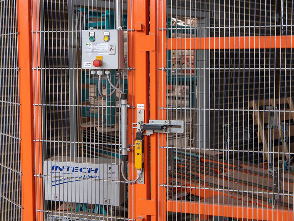 Veiligheidsslot toegangsdeur in Intech veiligheidshek